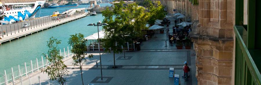 Valleta Cruise Ship Terminal, pedestrian promenade